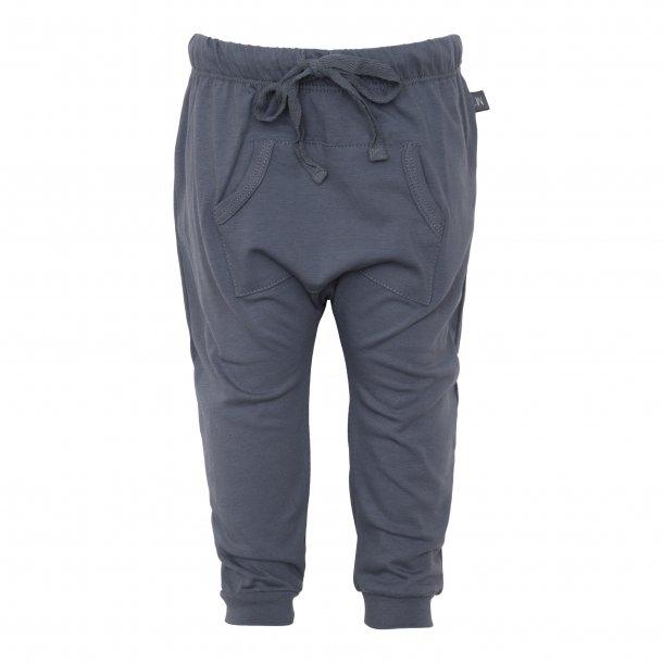 Grå baggy bukser med lomme - Little Wonders